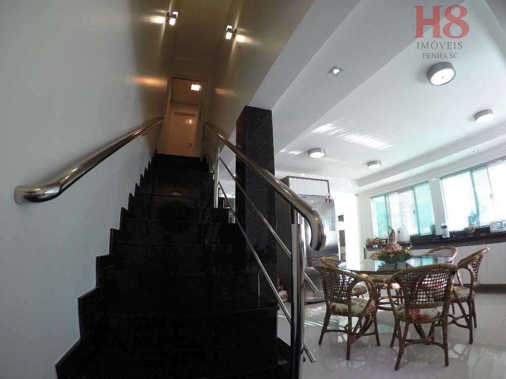 4 dormitórios ,4 salas, 3 bwcs e demais dependências;excelente mobília!negociação facilitada!**aceita permuta por imóveis ou parcelamento...