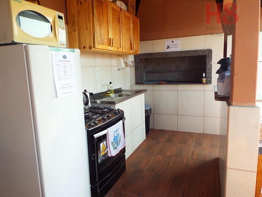 pousada completamente mobiliada, com 8 apartamentos amplos todos com 2 quartos, sala, cozinha, área de serviço,...