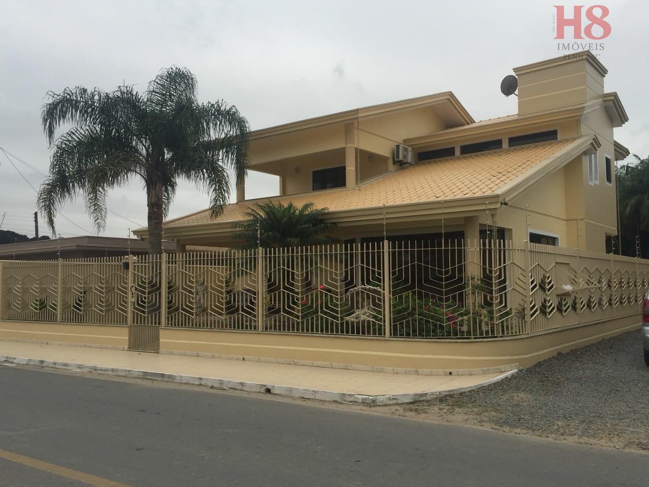 Casa com 3 dormitórios à venda, 220 m² por R$ 1.050.000 - Gravatá - Penha/SC