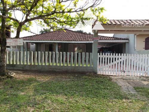 Casa residencial à venda, 3 quartos, praia de Itapema do Norte, Itapoá, SC.