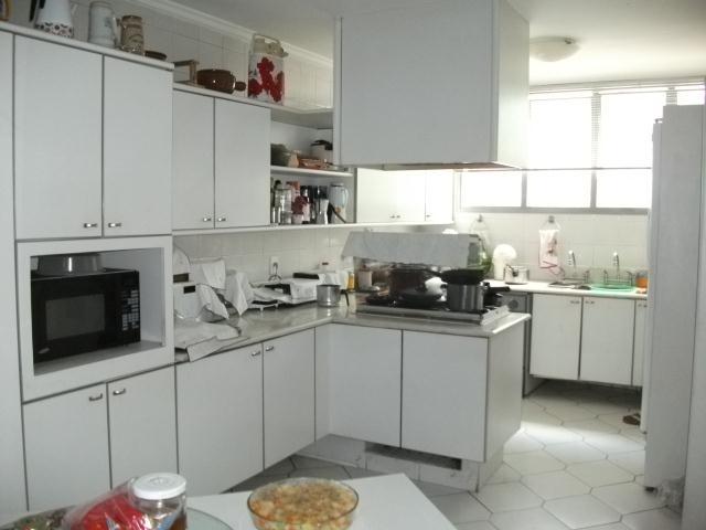 Casa de 4 dormitórios em Villa Vianna, Cotia - SP