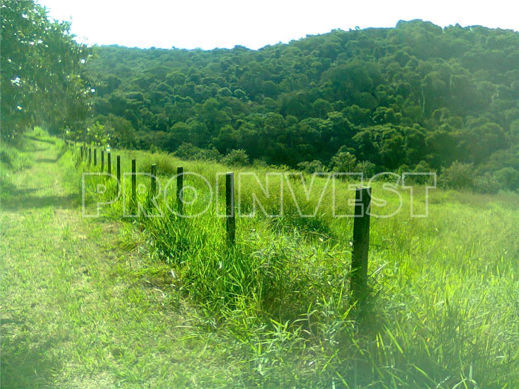 Área à venda em Jardim Caiapia, Cotia - SP