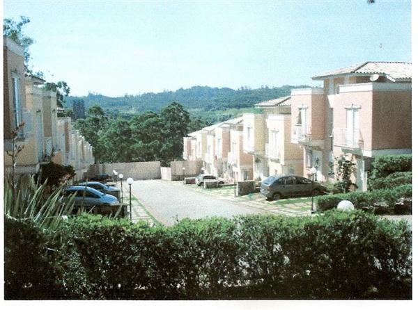 Casa de 3 dormitórios em Villaggio Di Fiori, Cotia - SP
