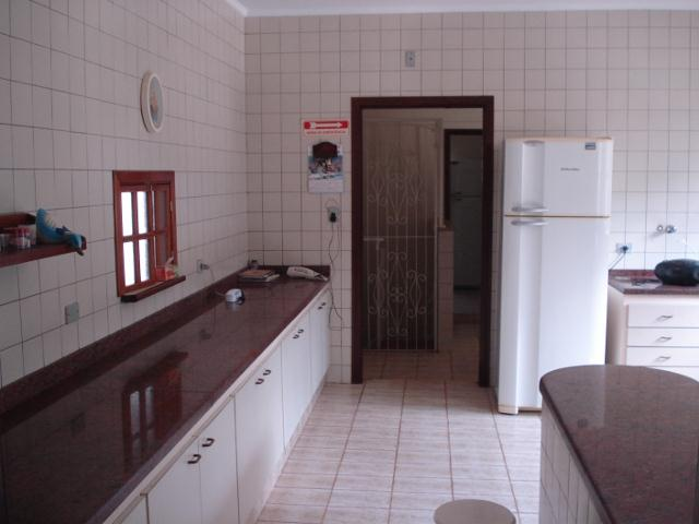 Chácara de 9 dormitórios em Jardim Ísis, Cotia - SP