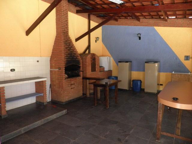 Chácara de 2 dormitórios à venda em Tijuco Preto, Cotia - SP