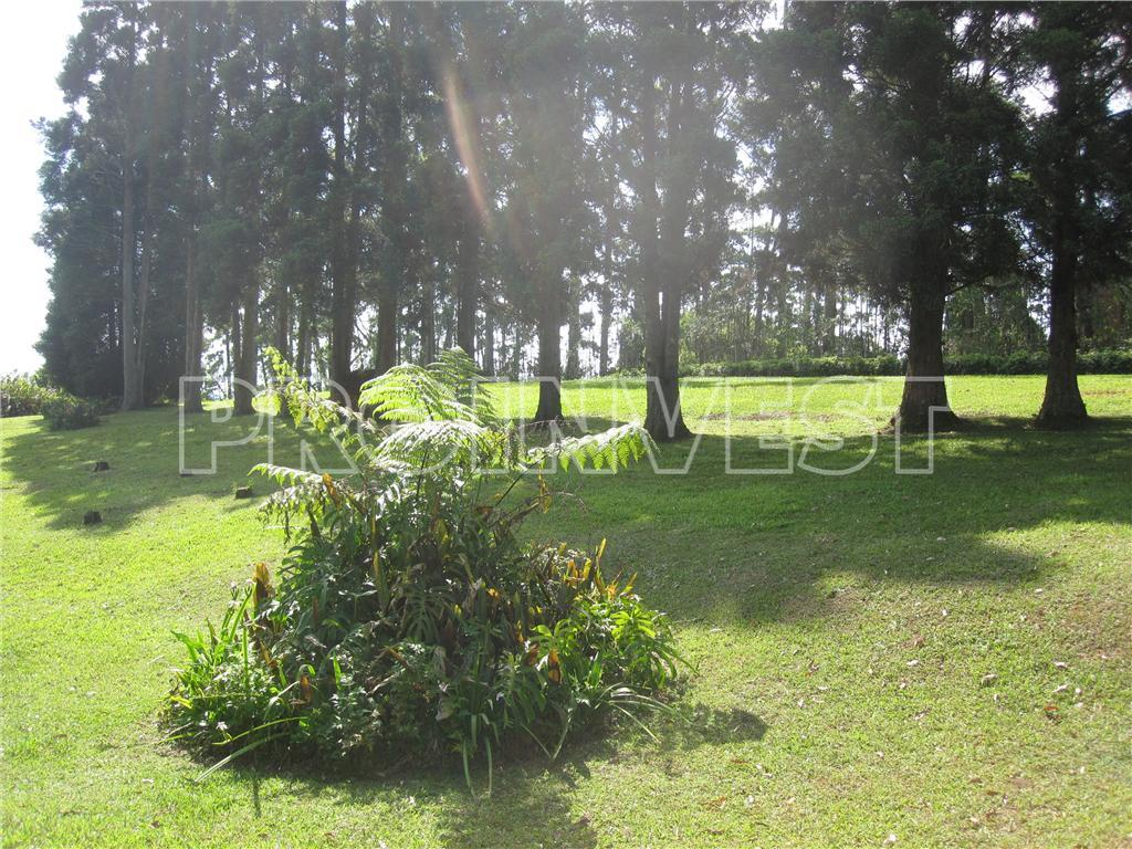 Chácara de 4 dormitórios em Caucaia Do Alto, Cotia - SP