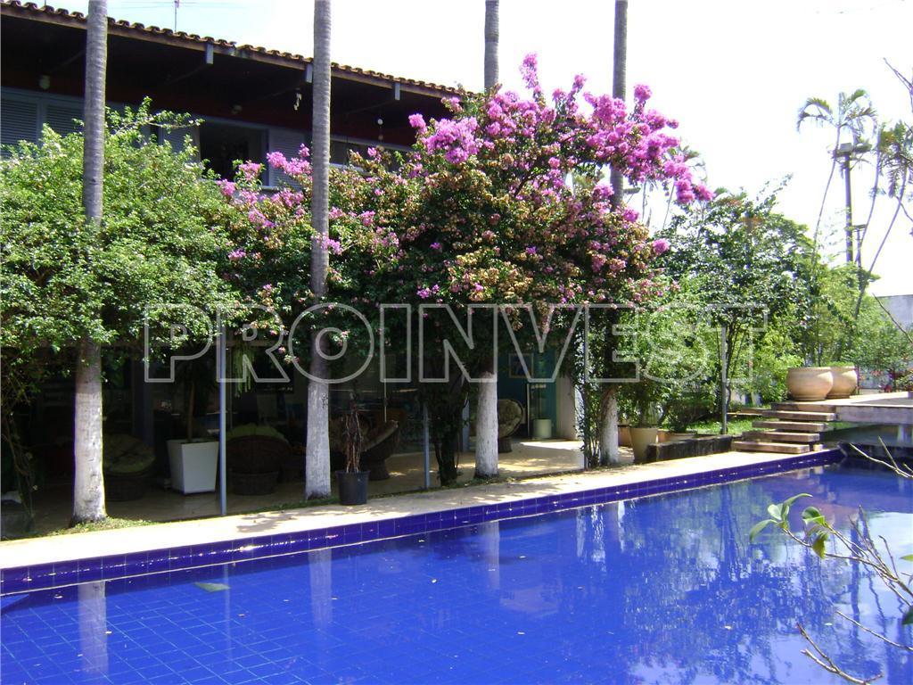 Casa de 6 dormitórios à venda em Granja Viana, Carapicuíba - SP