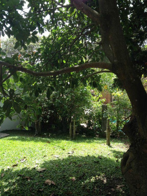Casa de 4 dormitórios em Chácara Das Paineiras, Carapicuíba - SP