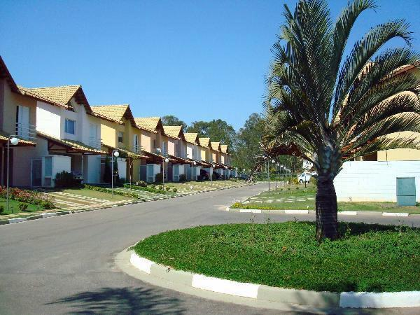 Casa de 3 dormitórios em Granja Vinte E Seis, Cotia - SP