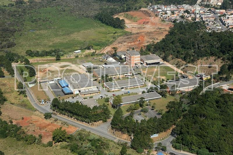 Área à venda em Raposo Park, Cotia - SP