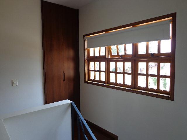 Casa de 4 dormitórios em Parque São Paulo, Cotia - SP