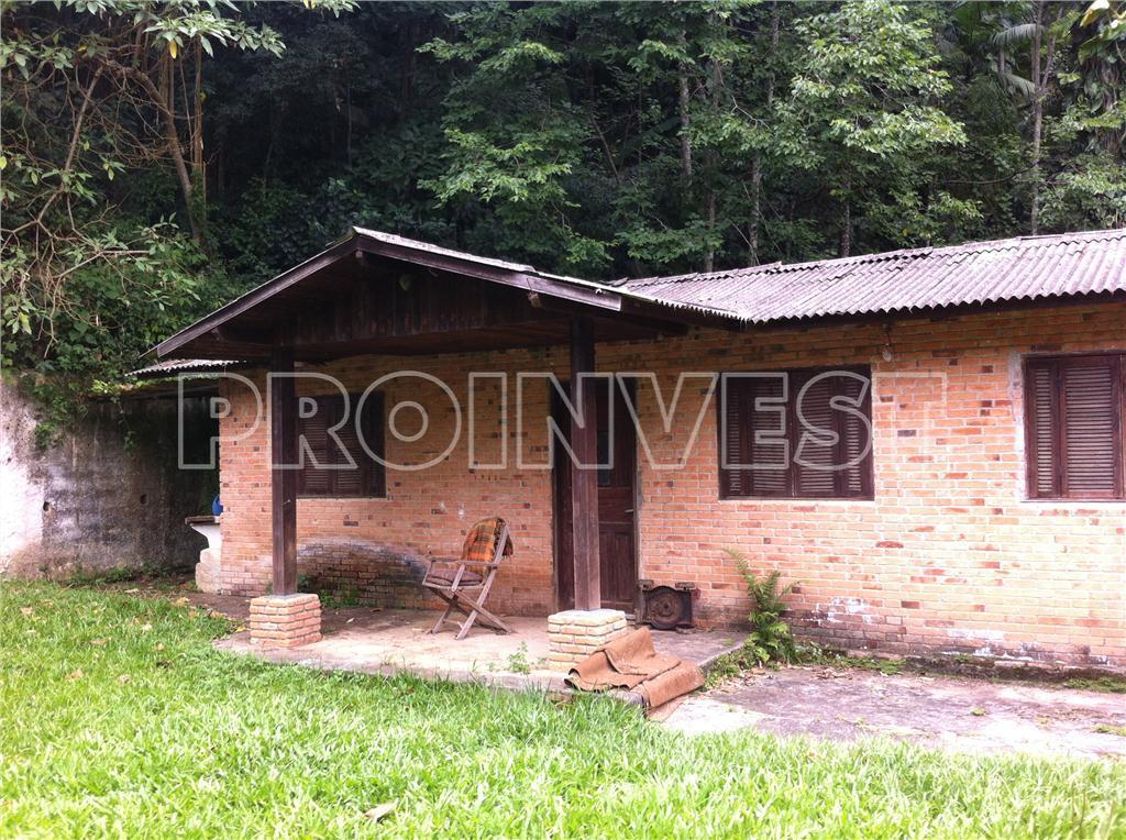 Casa de 4 dormitórios em Jardim Santa Paula, Cotia - SP