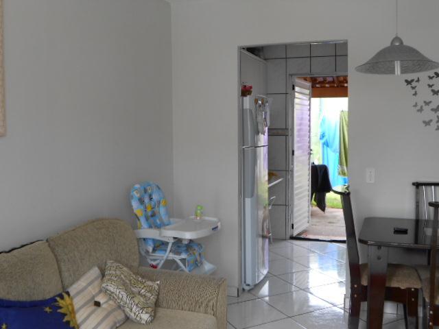 Casa de 2 dormitórios à venda em Jardim Ísis, Cotia - SP