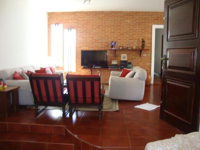Casa de 3 dormitórios à venda em Vila Santo Antônio Do Portão, Cotia - SP