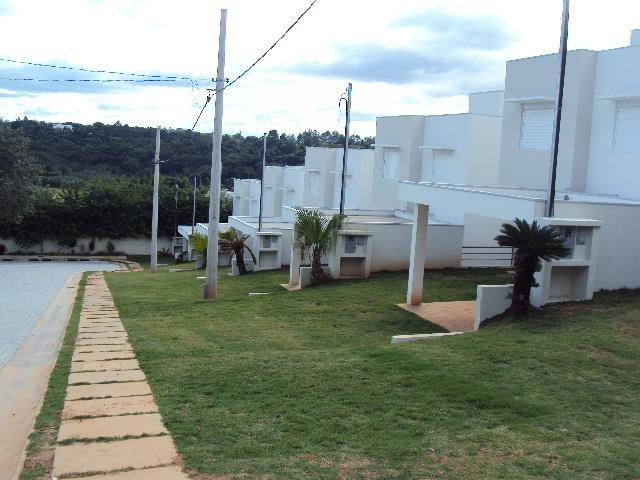 Casa de 3 dormitórios em Vila Cambara, Cotia - SP