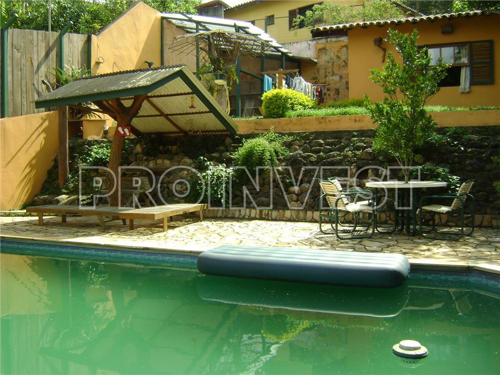 Casa de 4 dormitórios em Chácara Vale Do Rio Cotia, Carapicuíba - SP