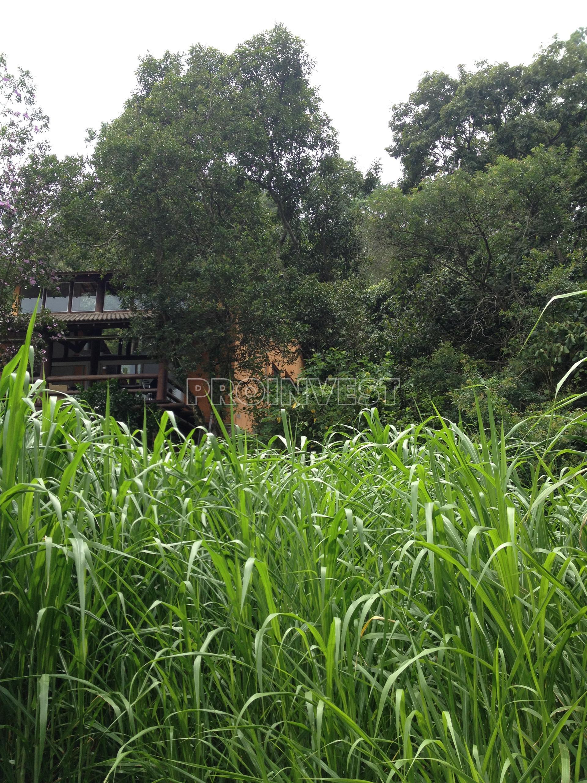 Terreno em Chácara Dos Lagos, Carapicuíba - SP