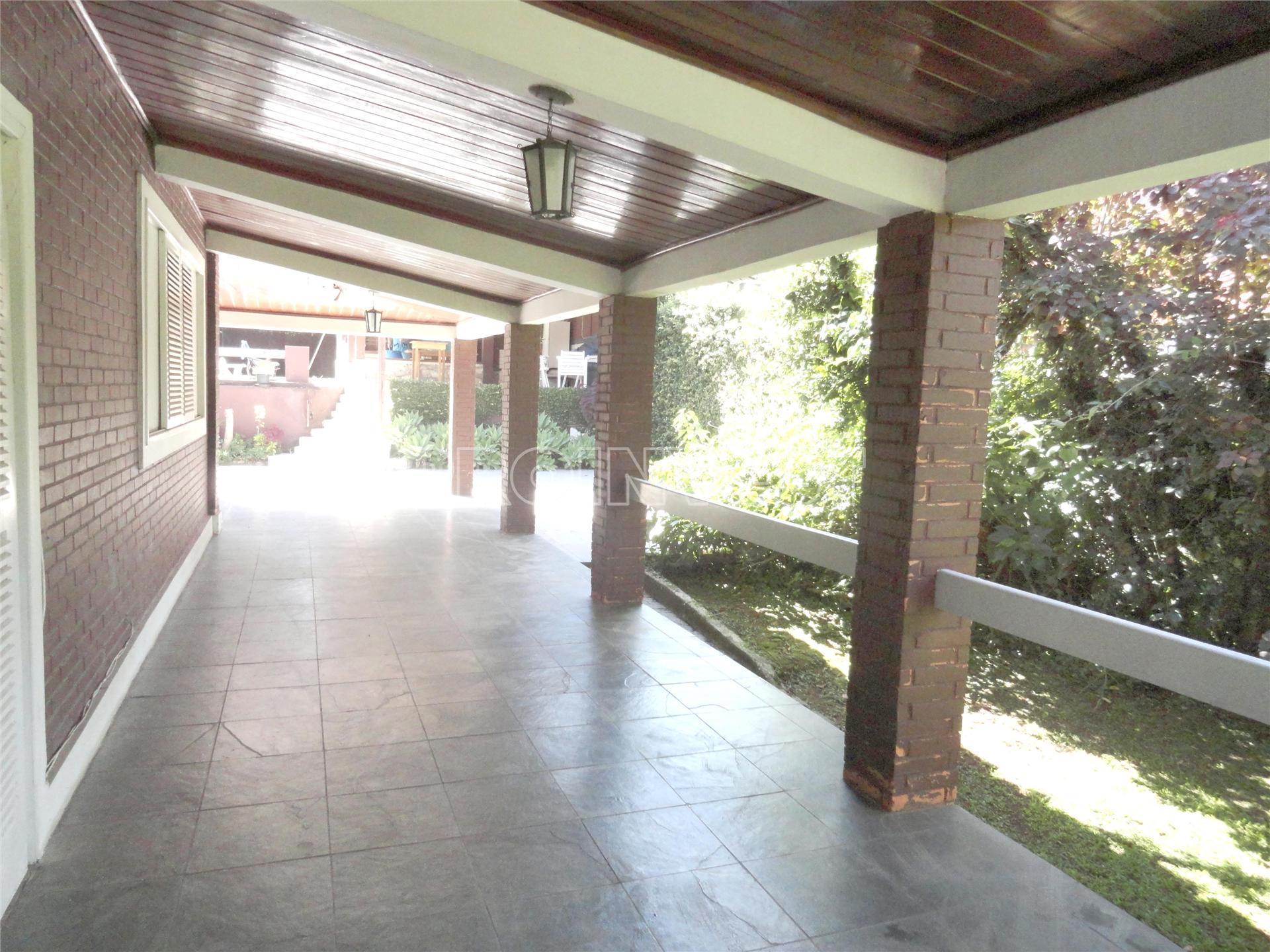 Casa de 4 dormitórios em Parque Dom Henrique, Cotia - SP
