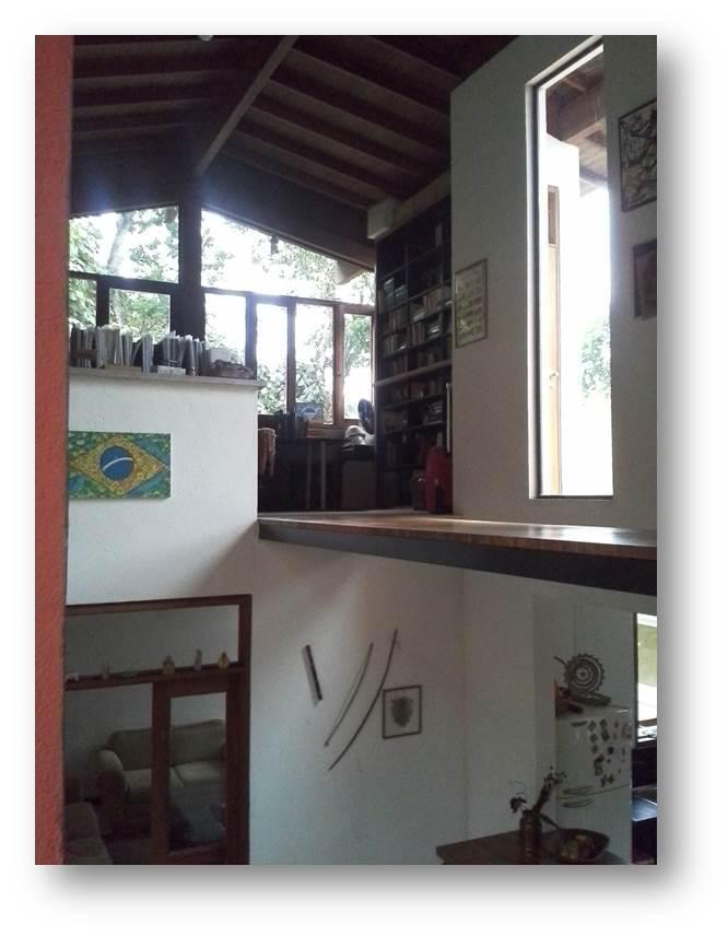 Casa de 4 dormitórios em Chácara Dos Lagos, Carapicuíba - SP