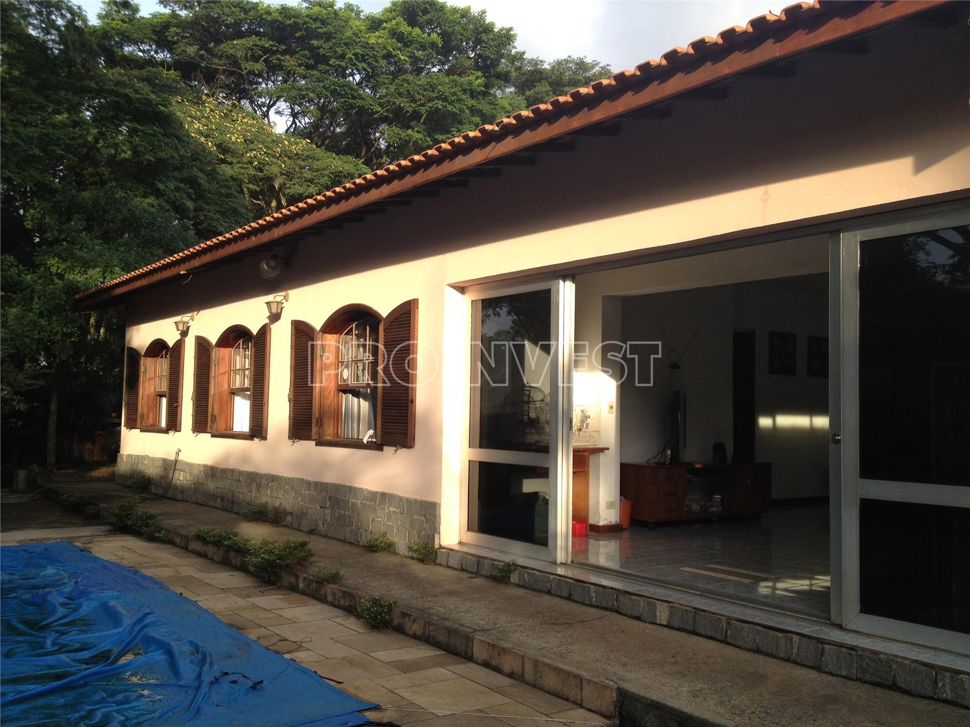 Casa de 4 dormitórios em Chácara Canta Galo, Cotia - SP