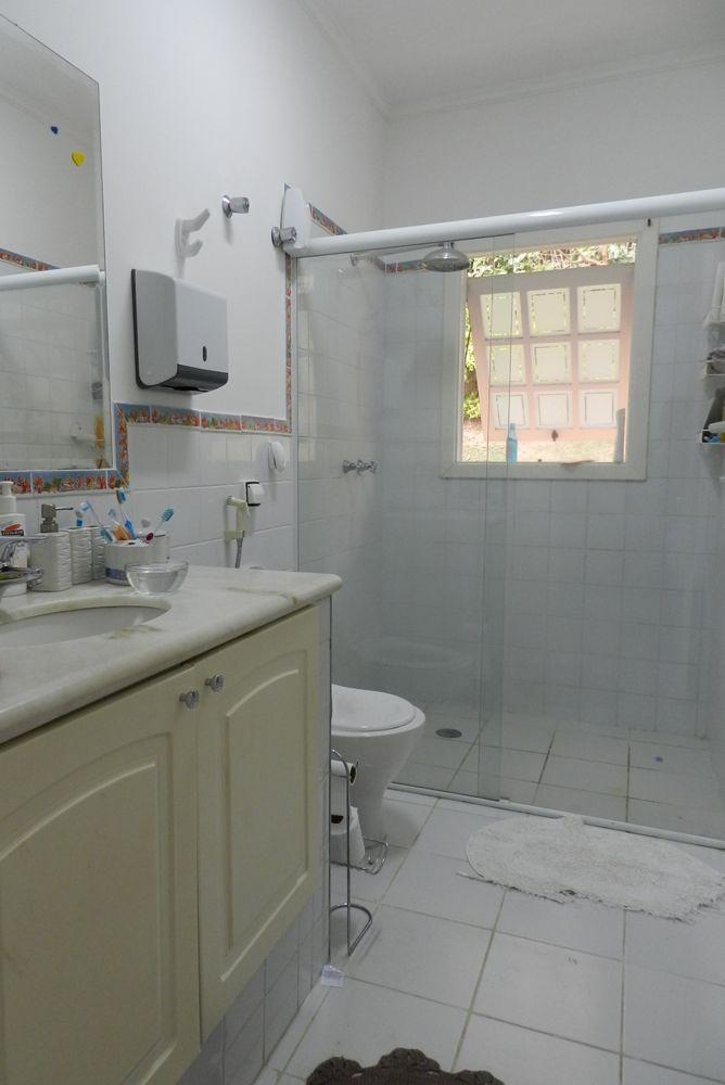 Casa de 6 dormitórios em Chácara Dos Lagos, Carapicuíba - SP