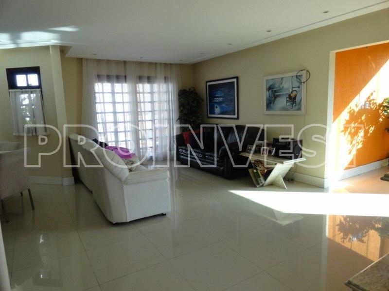Casa de 3 dormitórios à venda em Jardim Ana Estela, Carapicuíba - SP