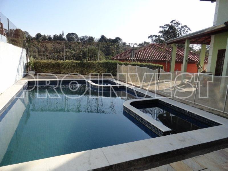 Casa de 3 dormitórios em Jardim Ana Estela, Carapicuíba - SP