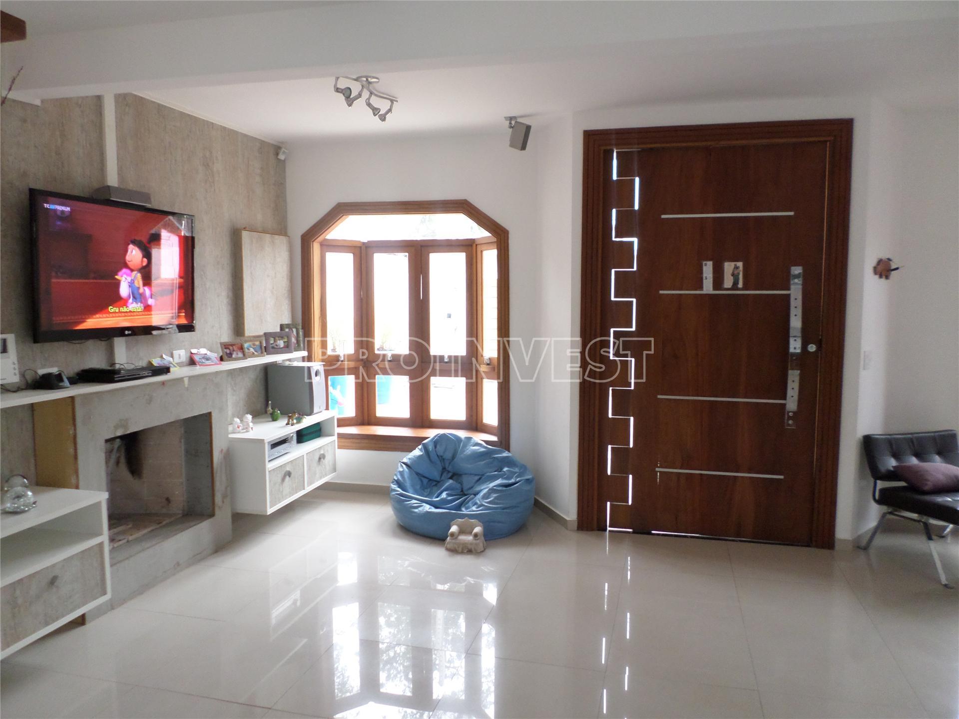 Casa de 3 dormitórios em Vila Jovina, Cotia - SP