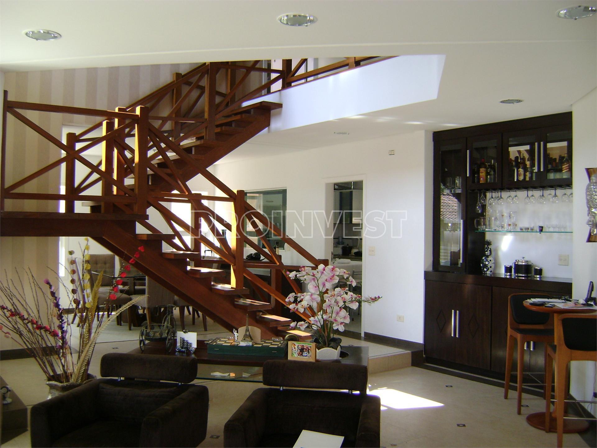 Casa de 3 dormitórios em Granja Viana, Embu Das Artes - SP