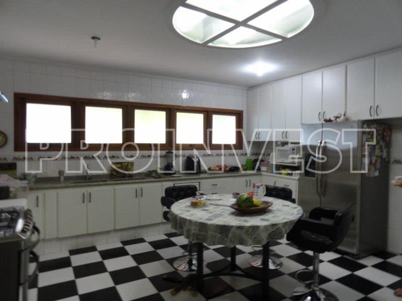 Casa de 6 dormitórios em Granja Viana, Carapicuíba - SP