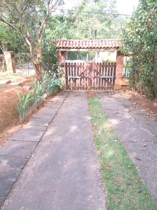 Casa de 3 dormitórios em Chácara Santa Lúcia Dos Ypes, Carapicuíba - SP
