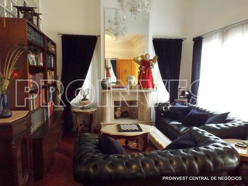 Casa de 4 dormitórios em San Pietro, Cotia - SP