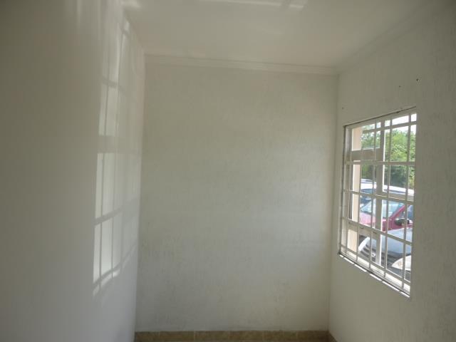 Sala à venda em Parque Rincão, Cotia - SP