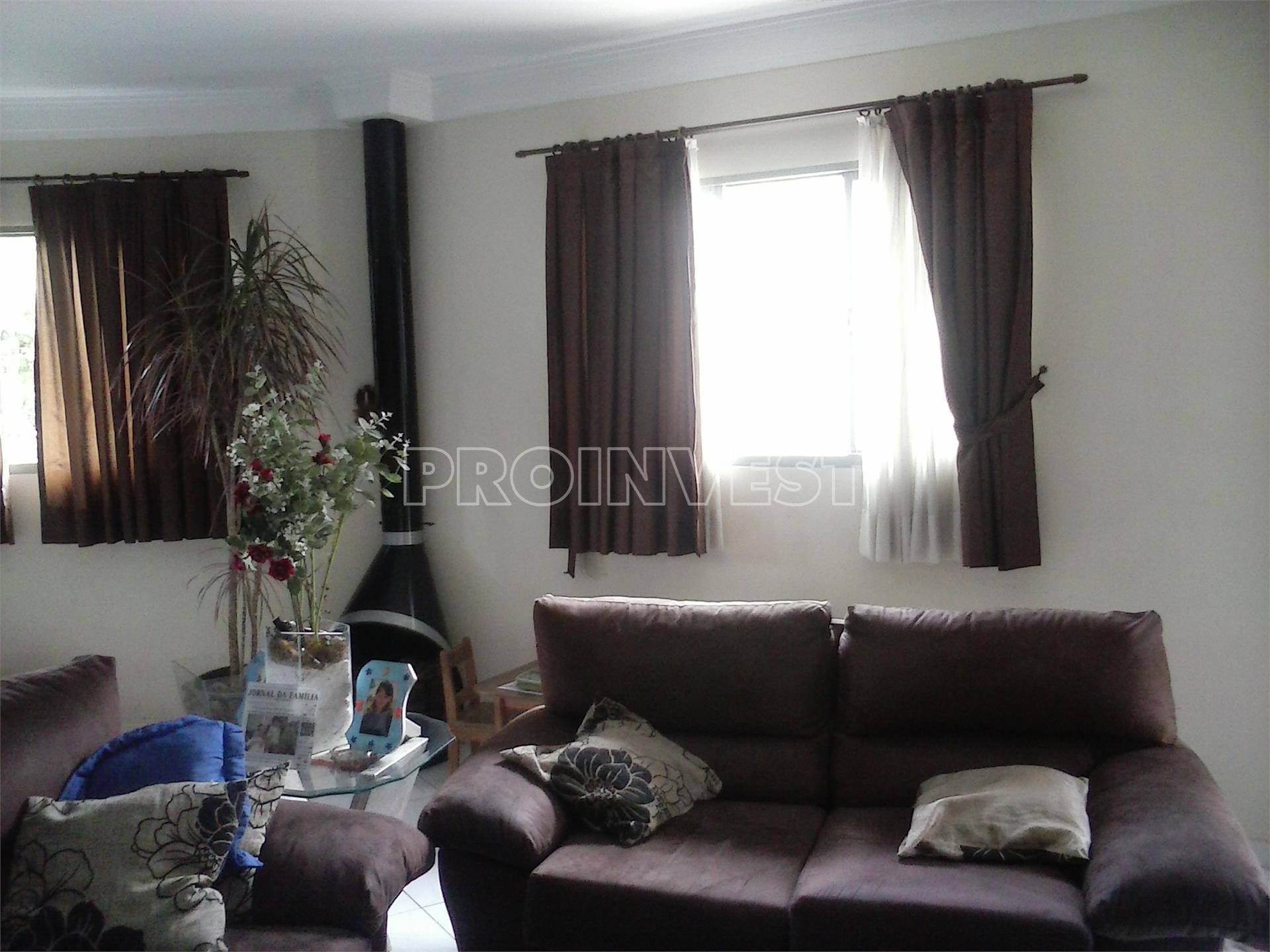 Casa de 3 dormitórios em Jardim Semiramis, Cotia - SP