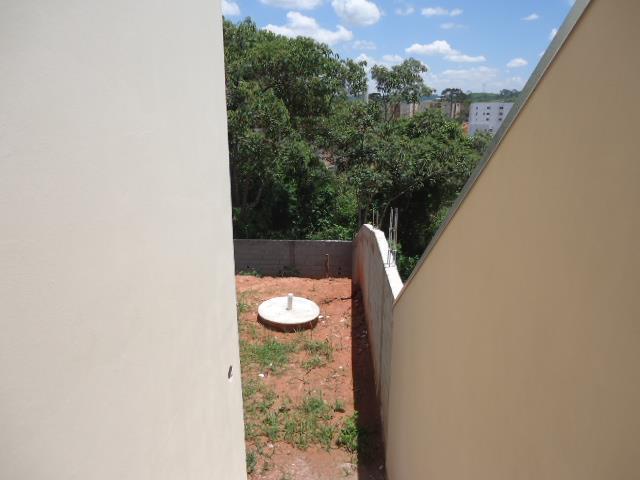 Casa de 2 dormitórios em Bairro Das Graças, Cotia - SP
