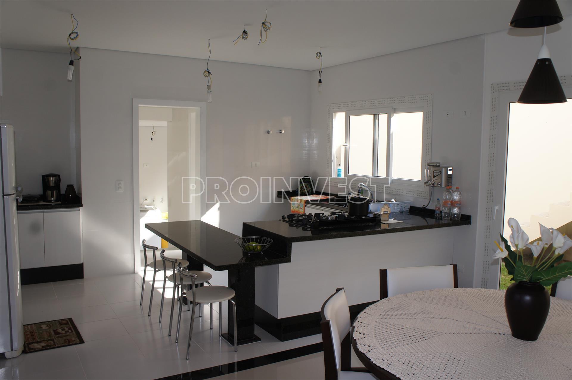 Casa de 4 dormitórios em Beverly Hills, Jandira - SP