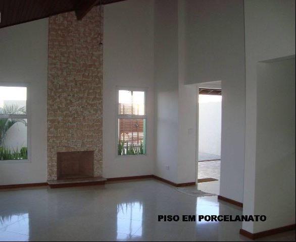 Casa de 3 dormitórios em Centro (São Roque), São Roque - SP