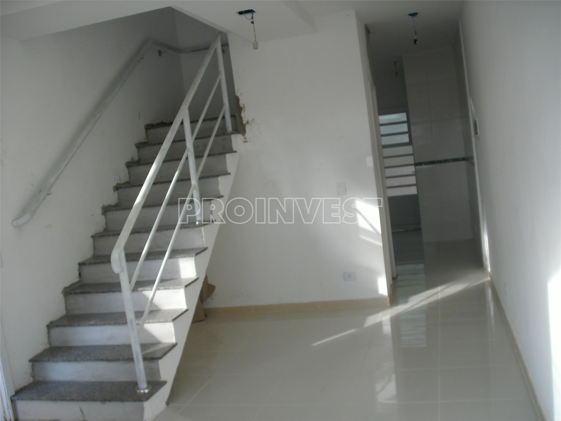 Casa de 2 dormitórios em Aguassaí, Cotia - SP