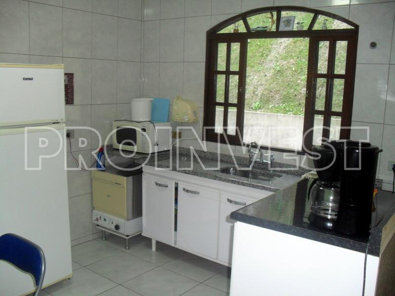 Casa de 4 dormitórios em Granja Caiapiá, Cotia - SP
