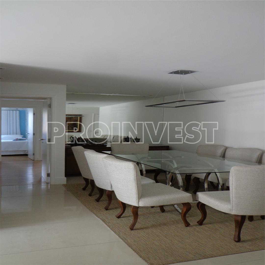 Apartamento de 4 dormitórios à venda em Cidade São Francisco, São Paulo - SP