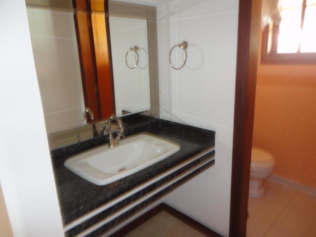 Casa de 4 dormitórios à venda em Vila Velha, Carapicuíba - SP