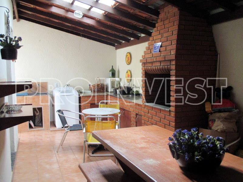 Casa de 2 dormitórios em Vila Nostra, Cotia - SP