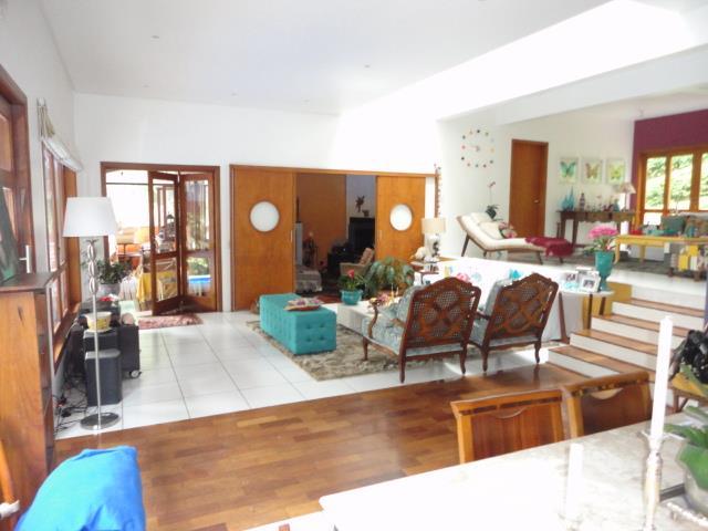 Casa de 5 dormitórios em Granja Carneiro Viana, Cotia - SP