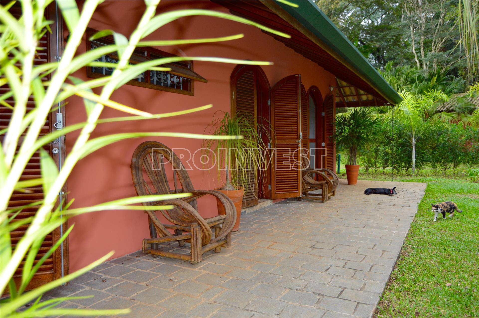 Casa de 4 dormitórios em Parque Silvino Pereira, Cotia - SP