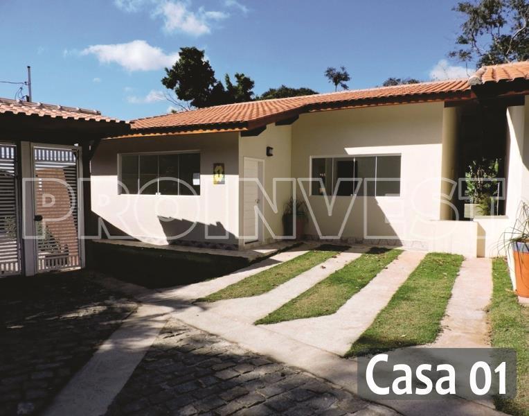 Casa de 2 dormitórios em Granja Viana, Carapicuíba - SP
