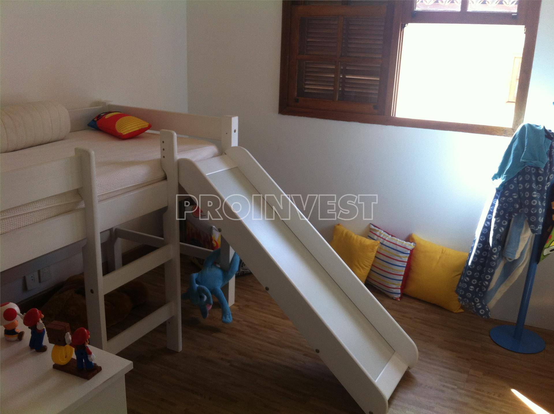 Casa de 4 dormitórios em Carmel, Cotia - SP