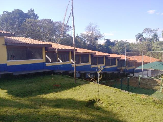Chácara de 4 dormitórios à venda em Jardim São Miguel, Cotia - SP