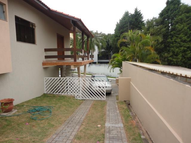 Casa de 4 dormitórios em Granja Viana, Jandira - SP