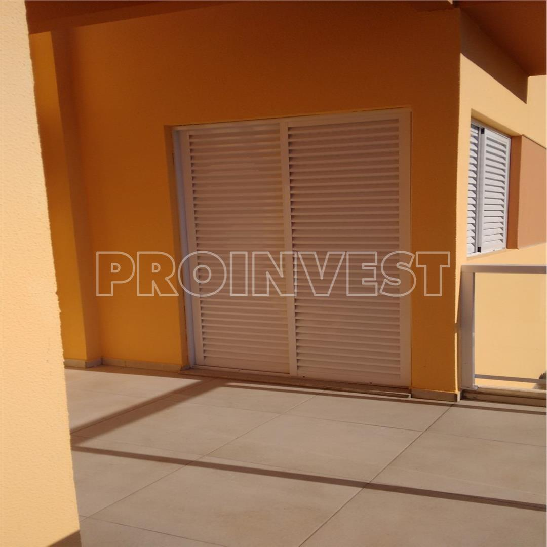 Casa de 4 dormitórios em Lago Do Sol, Cotia - SP