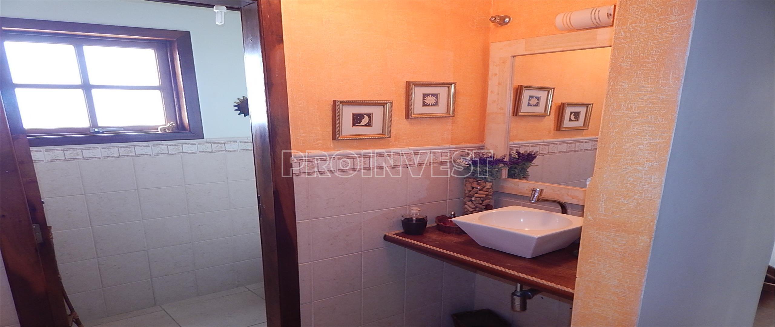 Casa de 2 dormitórios em Granja Viana, Embu Das Artes - SP